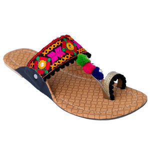 Trendy Black Rubber Embroidered Slipper For Women - vezzmart