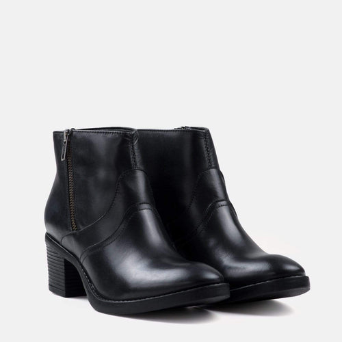 SOPHIA BLACK LEATHER ANKLE BOOT
