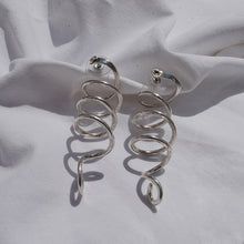 Load image into Gallery viewer, earrings Silver spiral