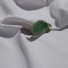 Load image into Gallery viewer, Brooch - Tortoise silver enamelled