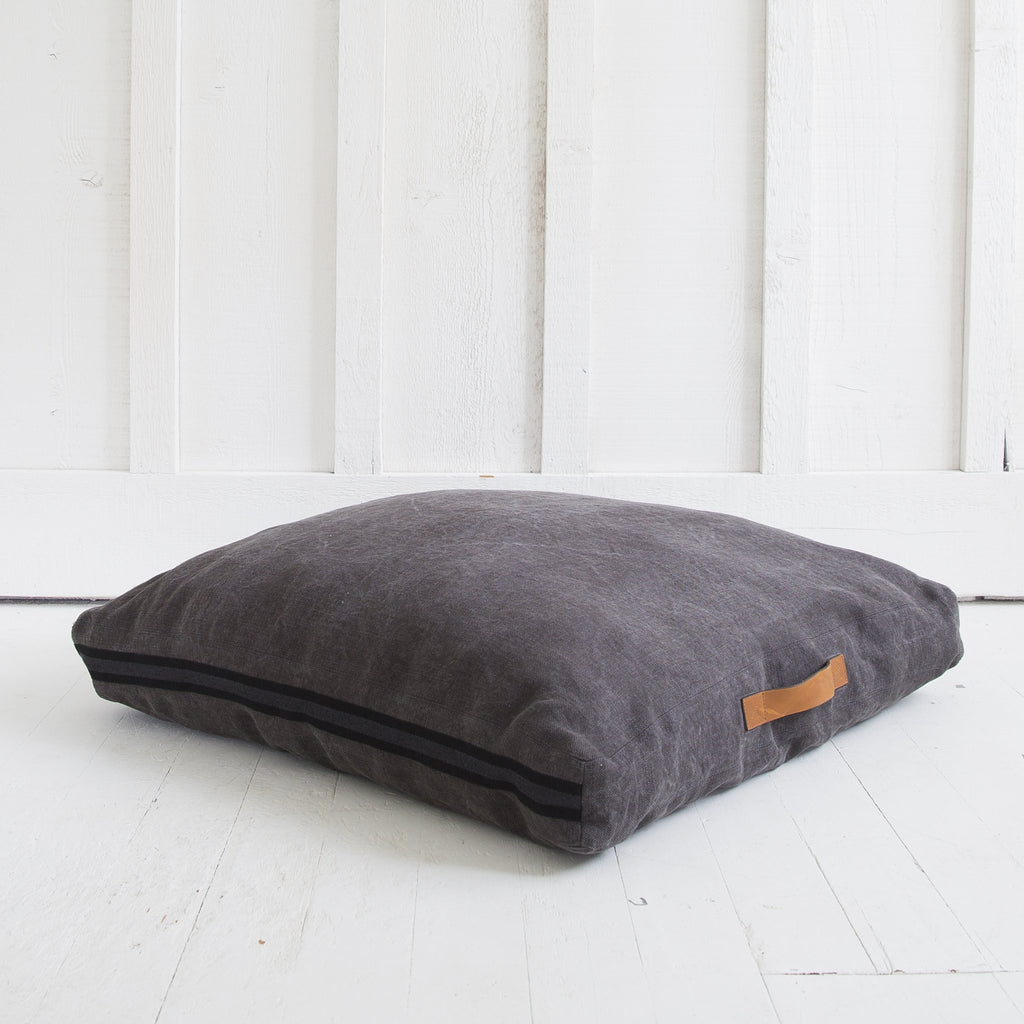 Rand Floor Cushion With Background