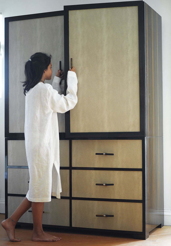 Deco Wardrobe with Girl Opening