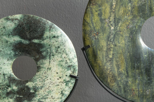 Yubi Decorative Marble Disk close up