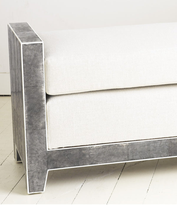 Shagreen Bench Close with White Piping