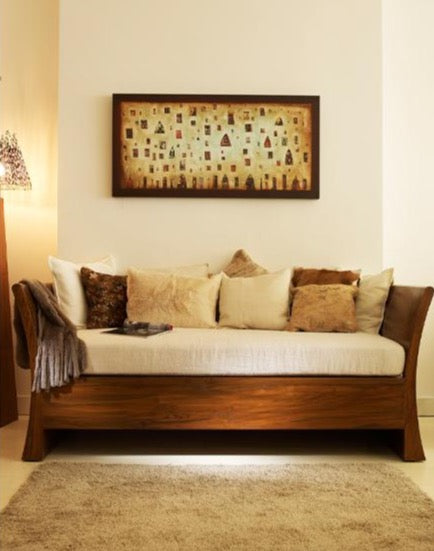 Mufti Daybed with pillows, lamp and wallart
