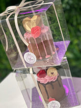 Load image into Gallery viewer, Mini Cake with Chocolate Gold Geo Heart