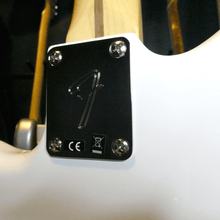 Load image into Gallery viewer, Fender Player Jazzmaster in Polar White