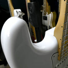 Load image into Gallery viewer, Fender Player Stratocaster HSS Polar White MN