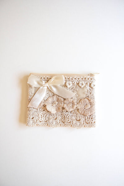 GIFT - Small lace zip bag - ANTIQUE CREAM
