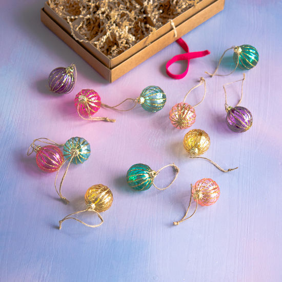 Showy Sphere Boxed Set Ornaments