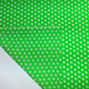 VINTAGE FABRIC BABY BOLT HALF-YARD -  SEVENTIES' WHITE FLORAL ON KELLY GREEN