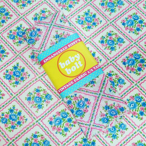 VINTAGE FABRIC BABY BOLT HALF-YARD - CUTE FAUX PATCHWORK & FLOWERS PRINT IN BLUE, GREEN & NEON PINK ON WHITE