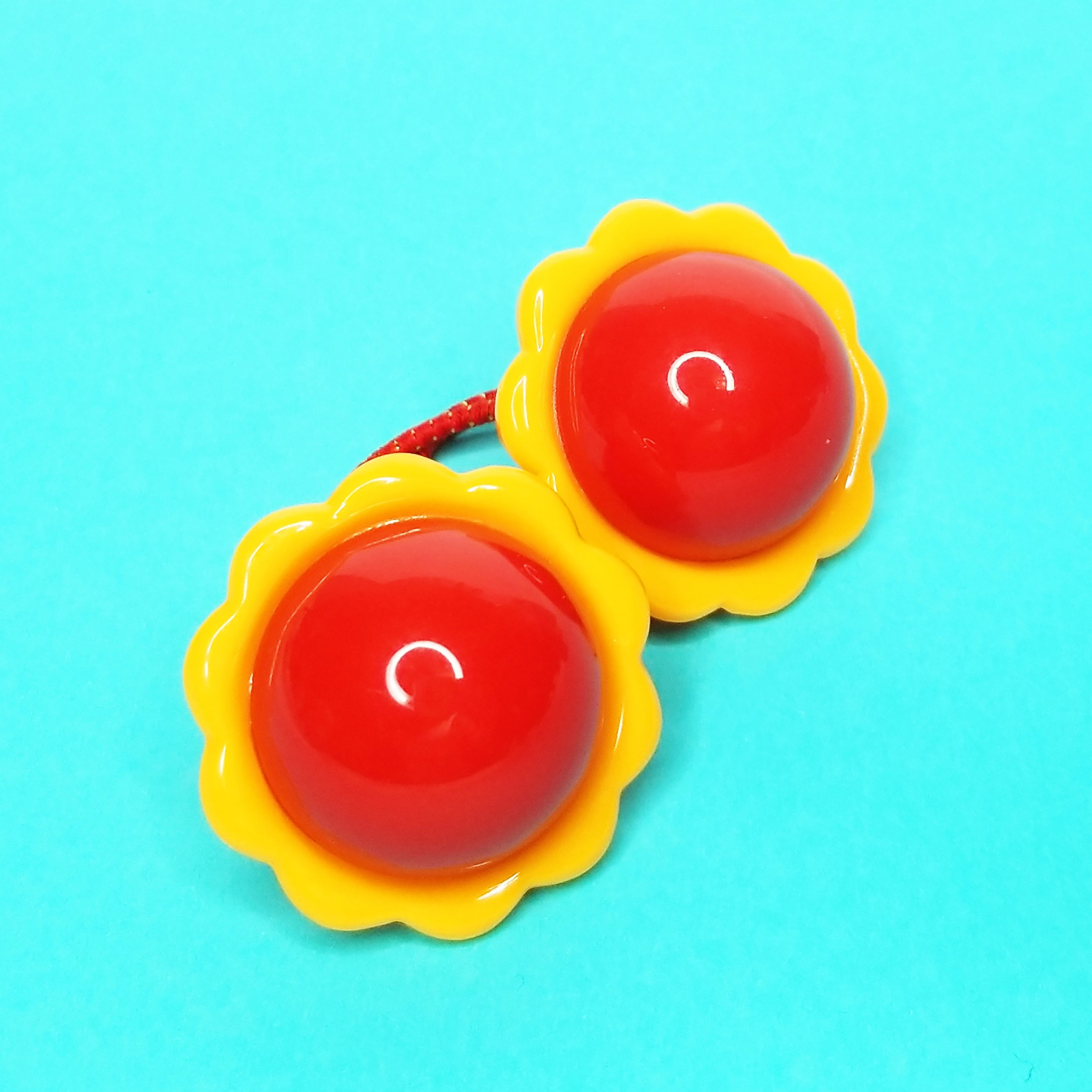 VINTAGE FLOWER POWER PONYTAIL HAIR BOBBLES - RED/YELLOW