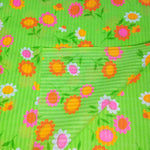 Load image into Gallery viewer, VINTAGE FABRIC BABY BOLT HALF-YARD -  SIXTIES' FLOWER POWER PRINT ON LIME GREEN