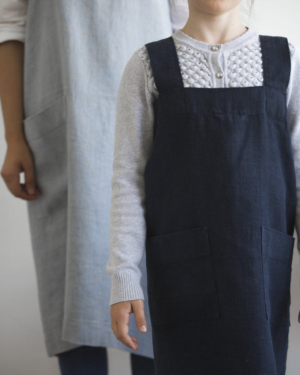 Mini kids linen smock apron from Hemme