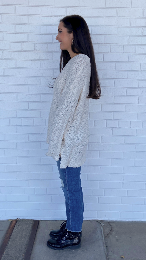 Load image into Gallery viewer, Ivory Oversized Popcorn Sweater