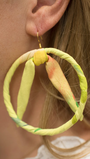 Load image into Gallery viewer, Mango A Go Go Bow Hoop Earrings