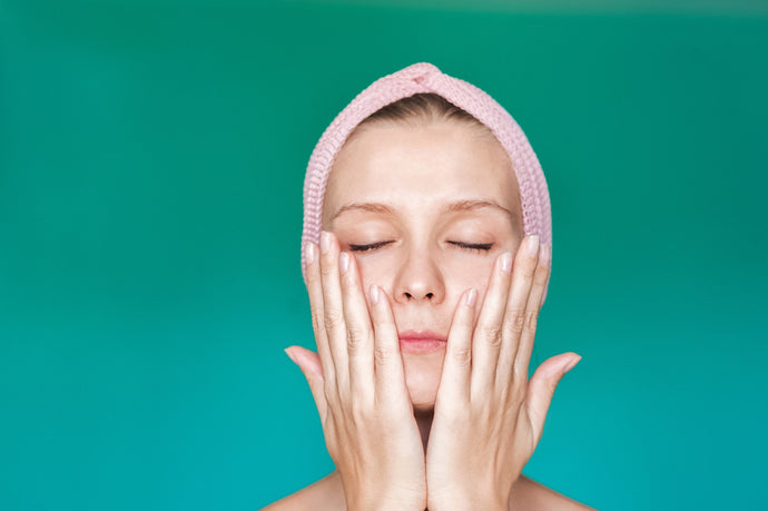 How to give yourself a spa facial at home