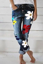 Load image into Gallery viewer, Printed Slim Fit jeans