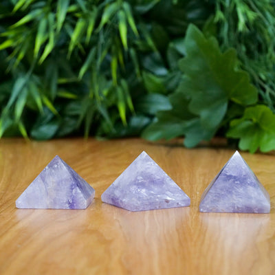 Amethyst Pyramids - Crystal Magic online