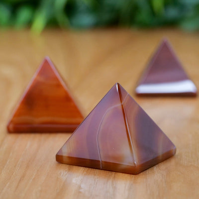 Carnelian Pyramids - Crystal Magic online