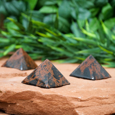 Mahogany Obsidian Pyramids - Crystal Magic online