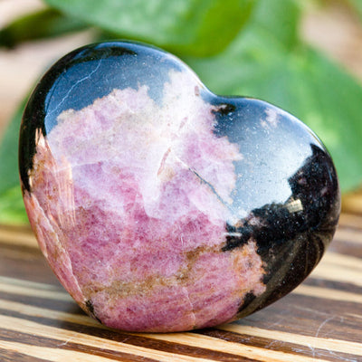 Rhodonite Hearts - Crystal Magic online