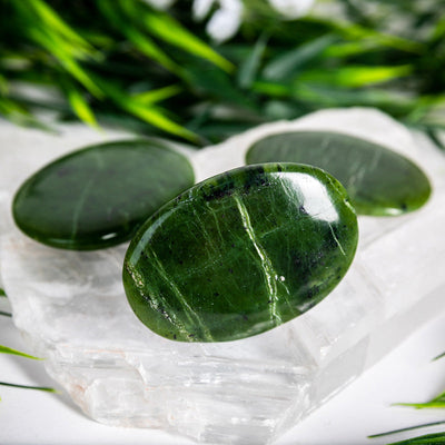 Jade Palm Stones - Crystal Magic online