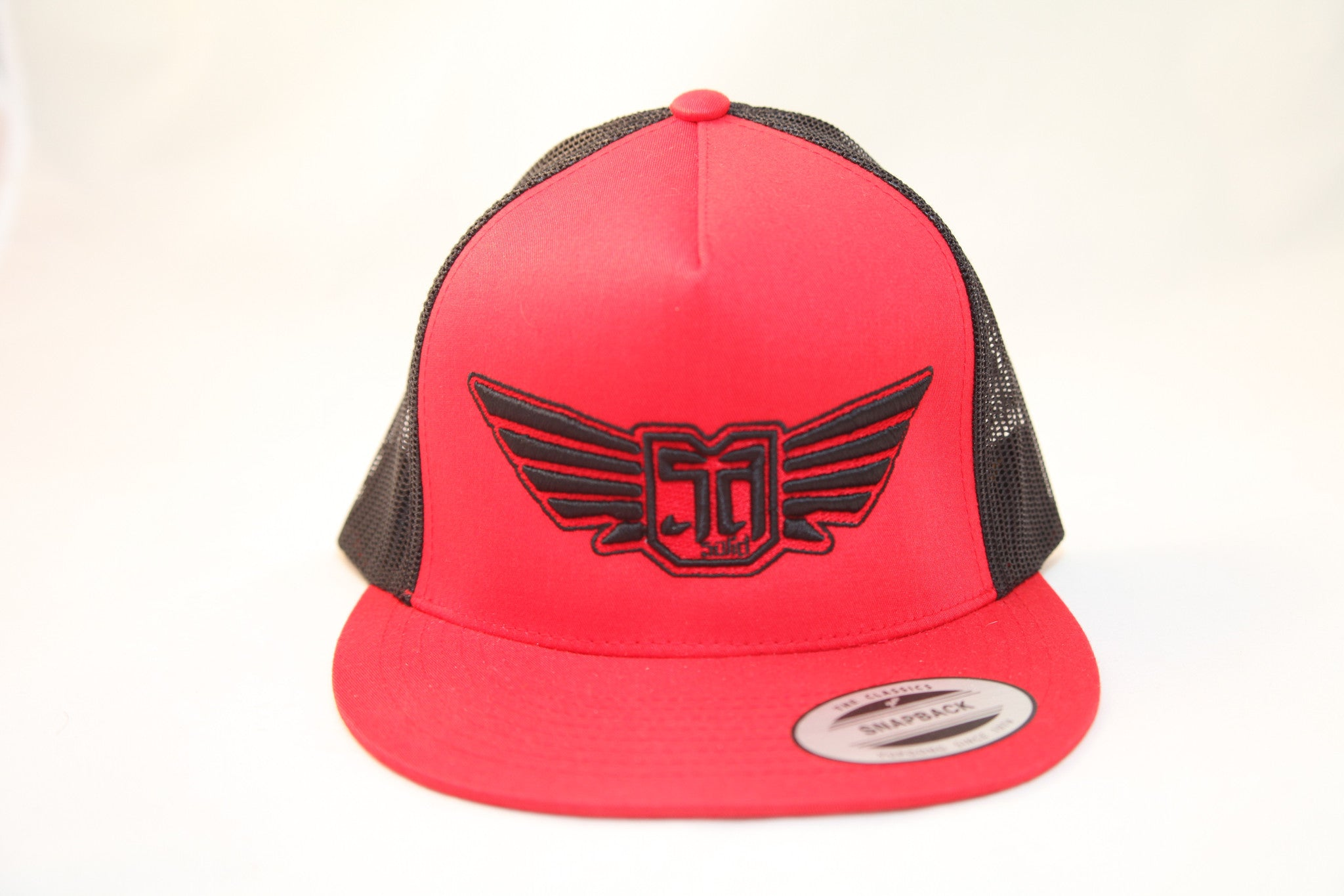 AV8 - MESH BACK - RED / BLACK - BLK / RED LOGO