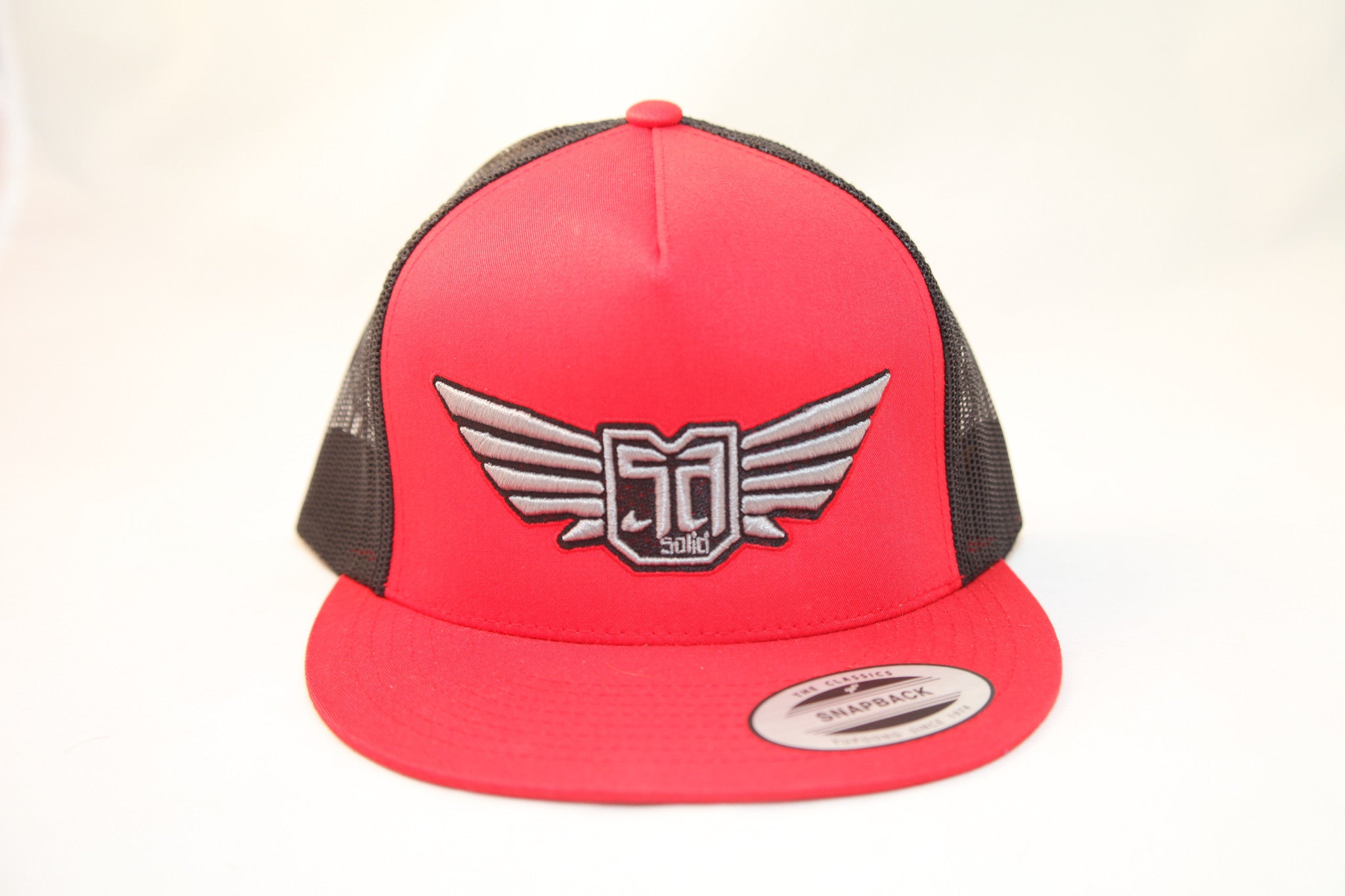 AV8 - TRUCKER - RED / BLACK - SLV / BLK / RED LOGO