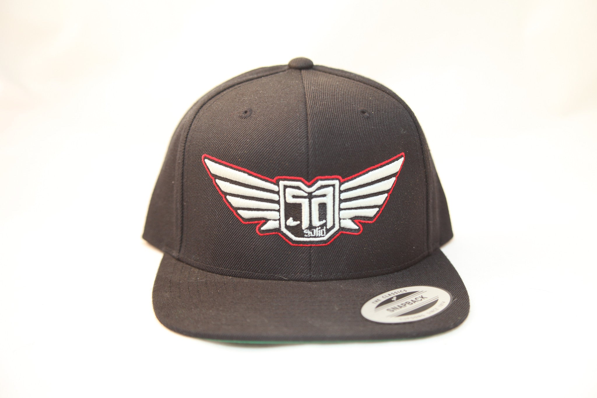 FLEXFIT SNAP BACK HAT - BLACK - WHT / RED