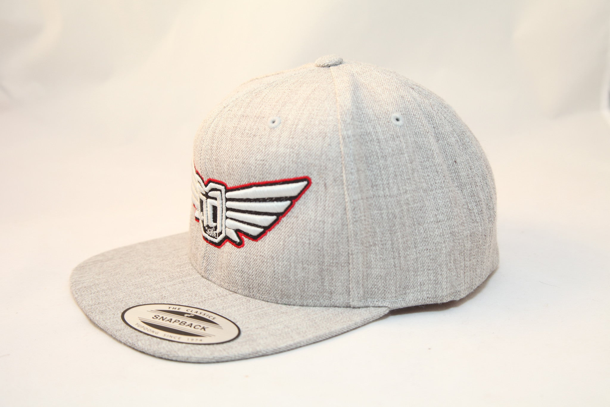 AV8 - FLEXFIT SNAP BACK HAT - ASH GREY - WHT / BLK / RED LOGO
