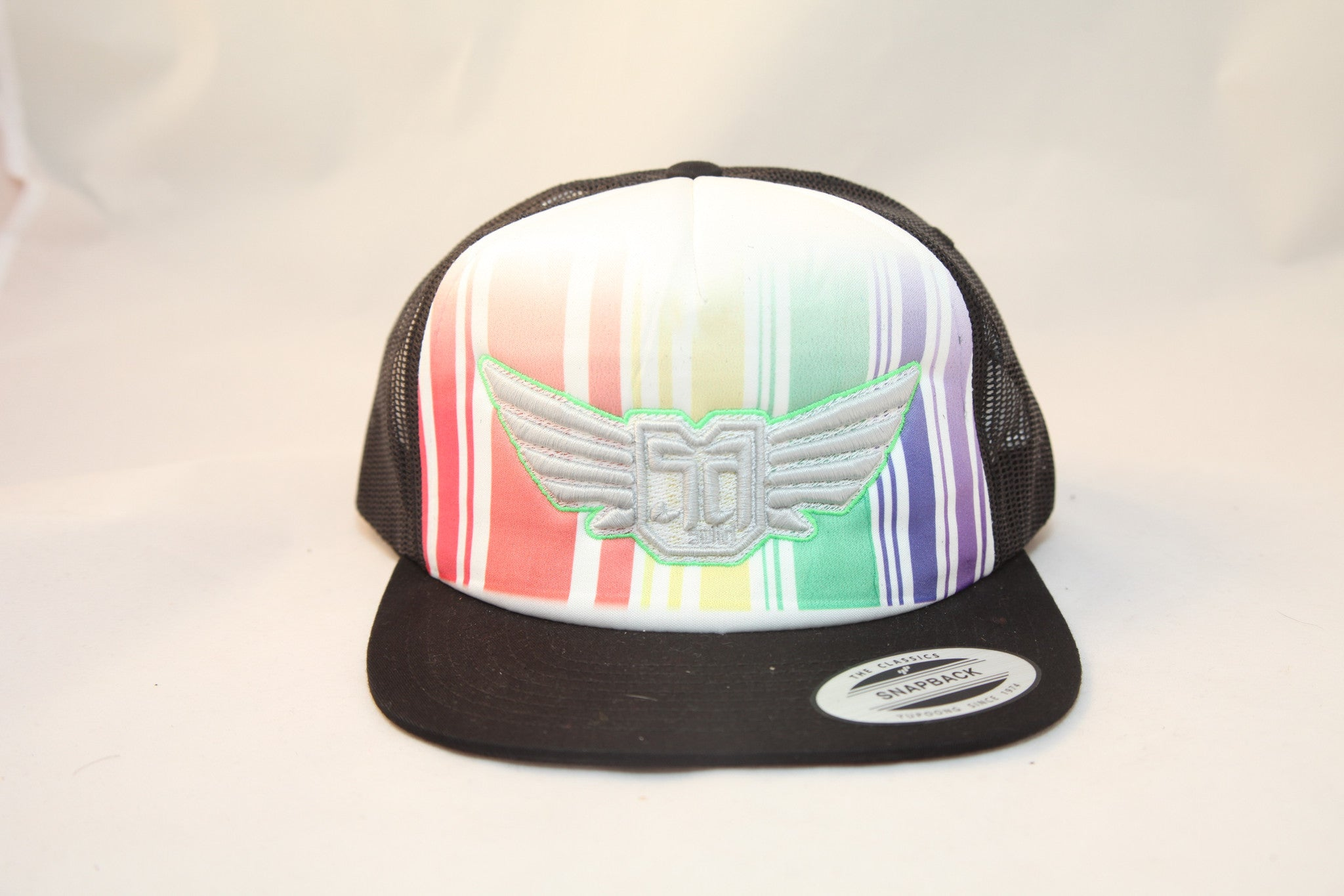 AV8 - TRUCKER - BLACK Rainbow - WHT / MINT LOGO