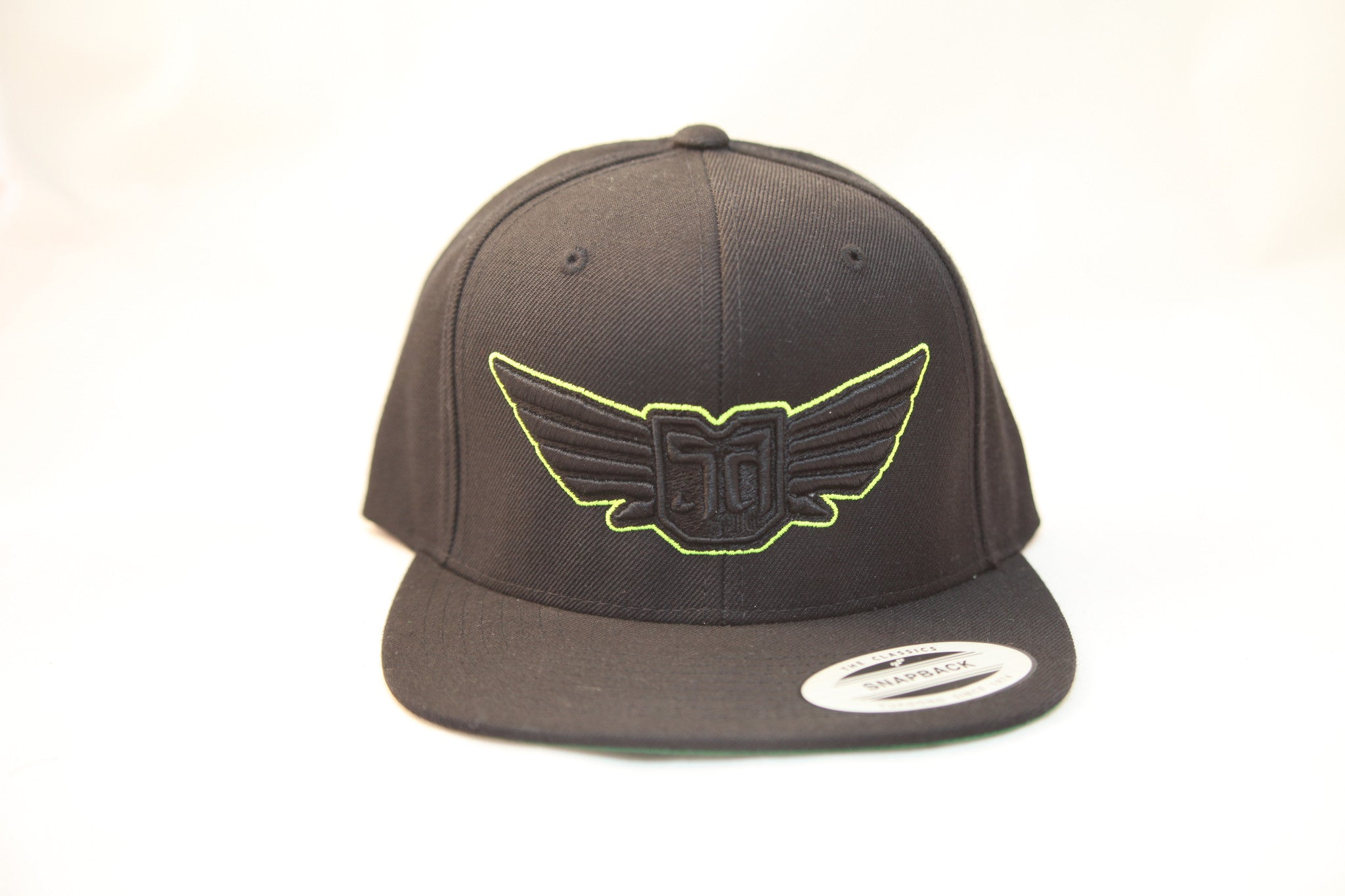 AV8 - FLEXFIT SNAP BACK HAT - BLACK - BLK / GRN LOGO