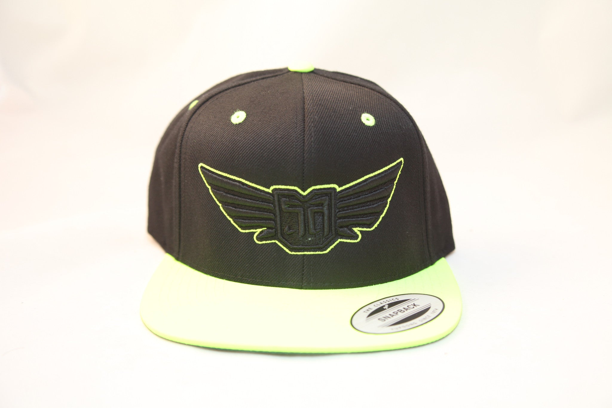 AV8 - FLEXFIT SNAP BACK HAT - BLACK / GREEN - BLK / GRN LOGO