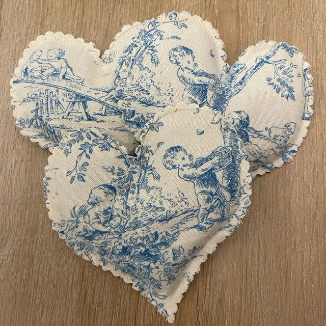 Organic French Lavender Heart Sachet in Toile