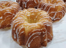 Load image into Gallery viewer, 4 Mini Bundt Vanilla Pound Cakes with Glaze