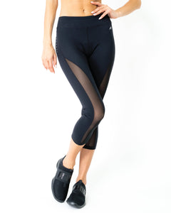 L'espace Low-Waisted Capri Leggings with Mesh Panels and Reflective