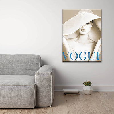 White hat girl - PICTA DESIGN