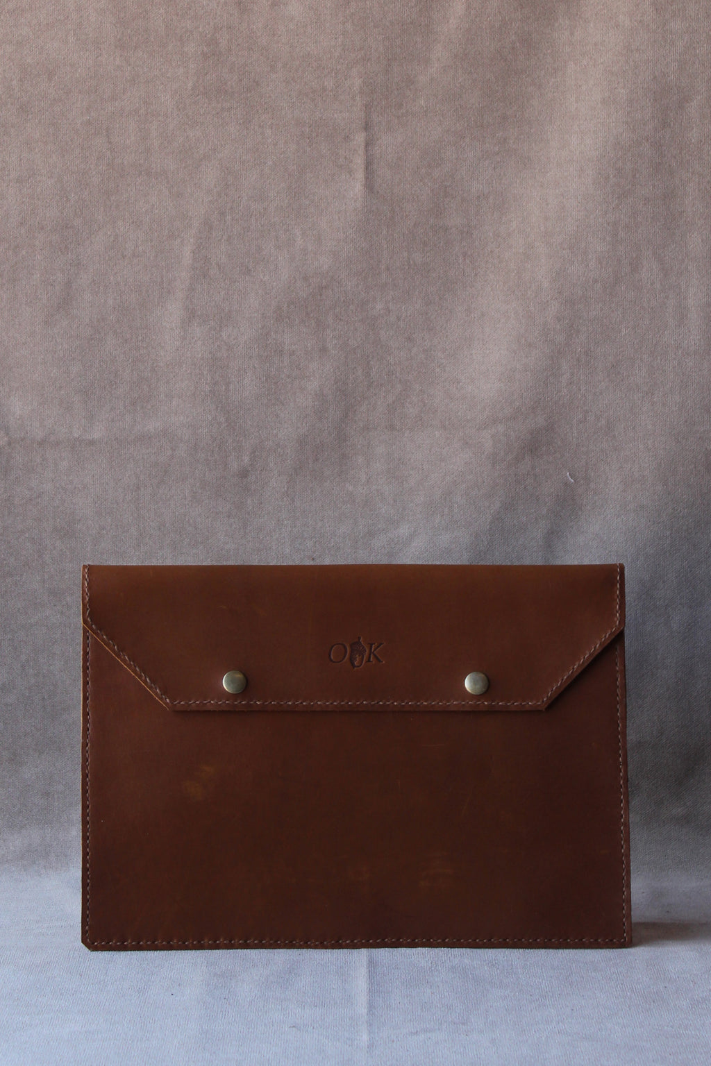 a photo of the a4 leather folder