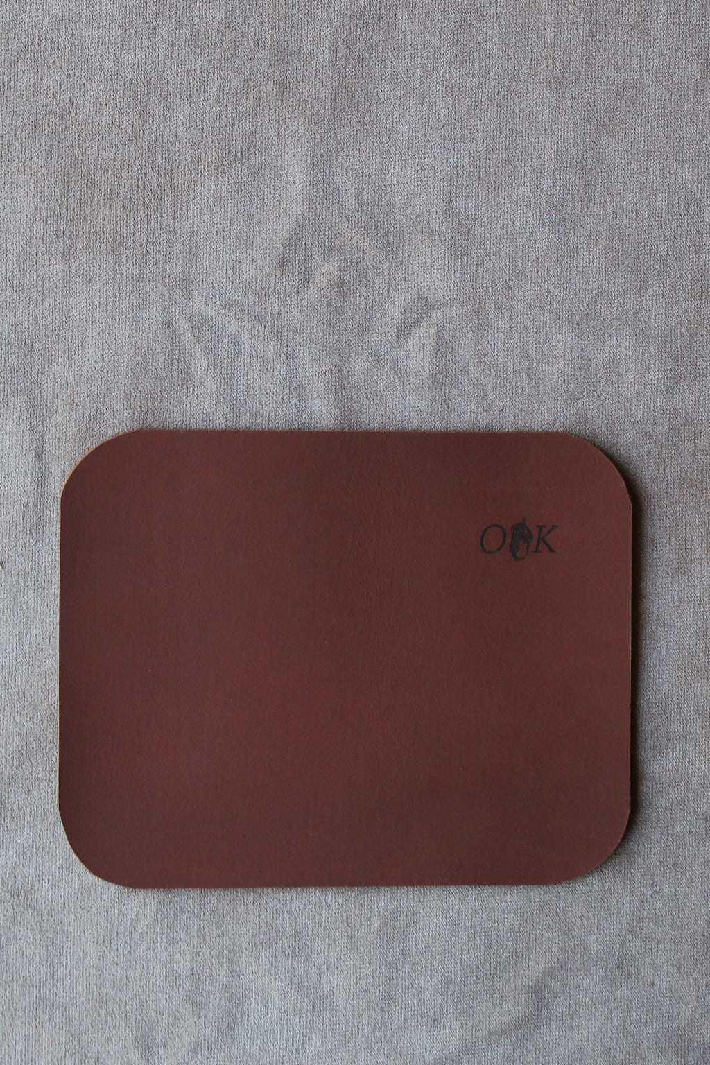 photo of the leather mouse pad