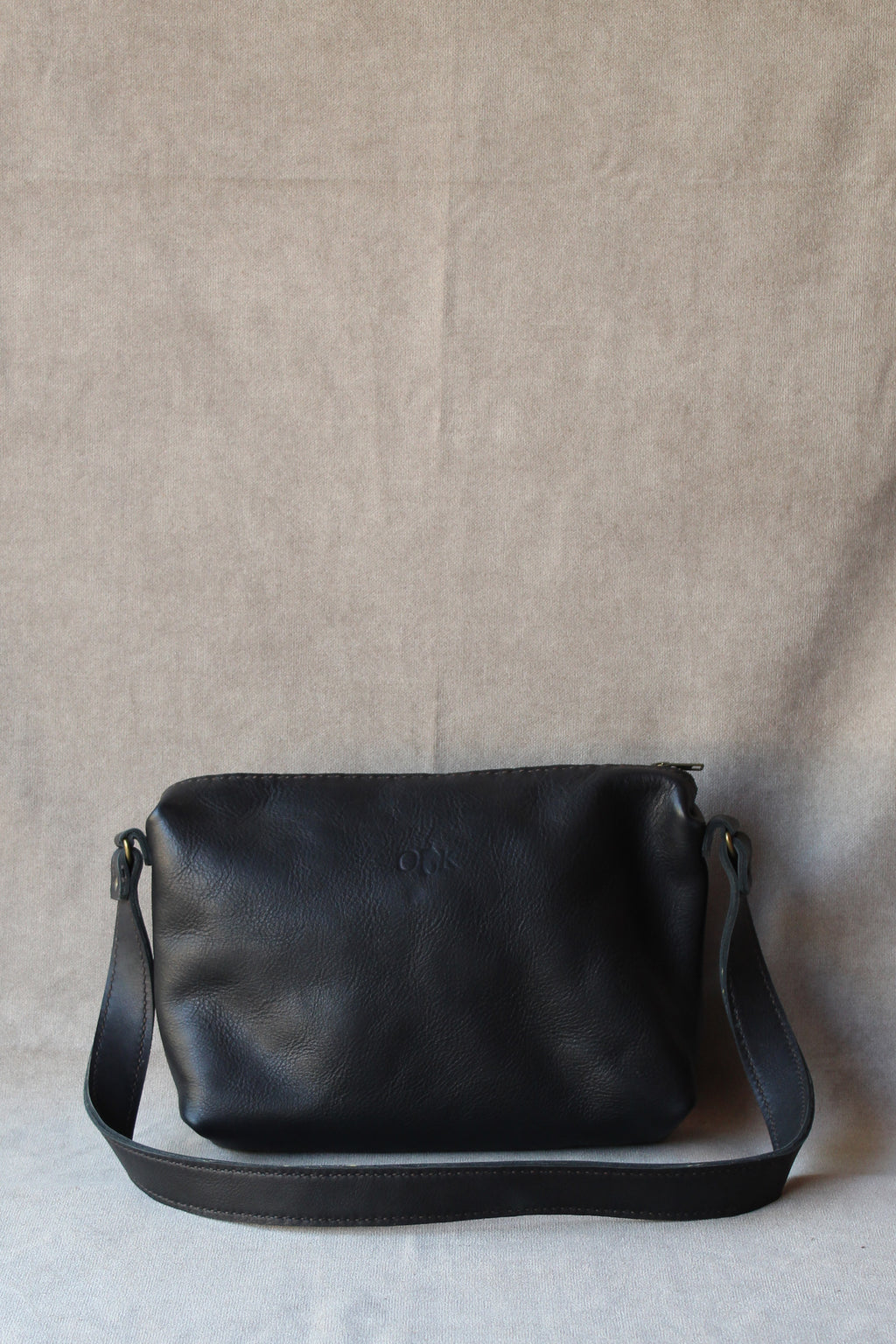 analani handbag in black