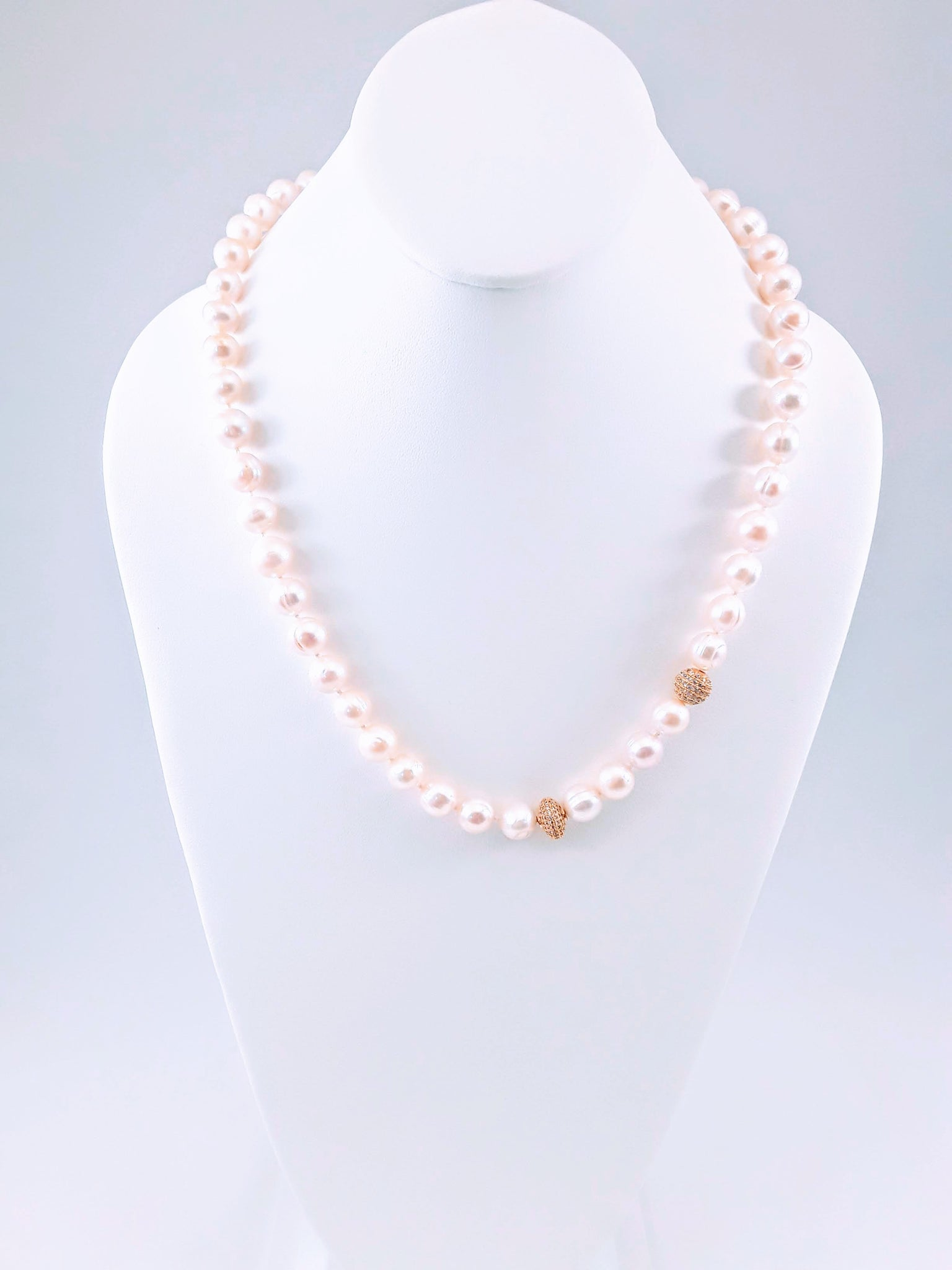The Classic Knotted Pearl