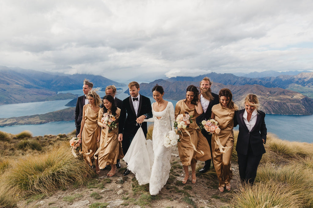 ao cuoi noi tieng valentino nicole-warne-gary-pepper-girl-and-luke-shadbolt-ao cuoi meera meera wedding dress