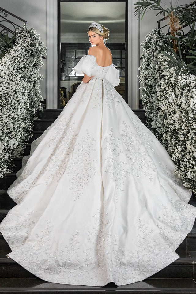 vay cuoi cong chua dep long lay Meera Meera Fashion Concept Thassia Naves' Ralph & Russo couture wedding dress