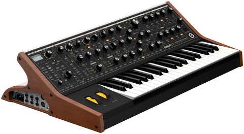 MOOG SUB 37 Tribute Edition - La Pietra Music Planet