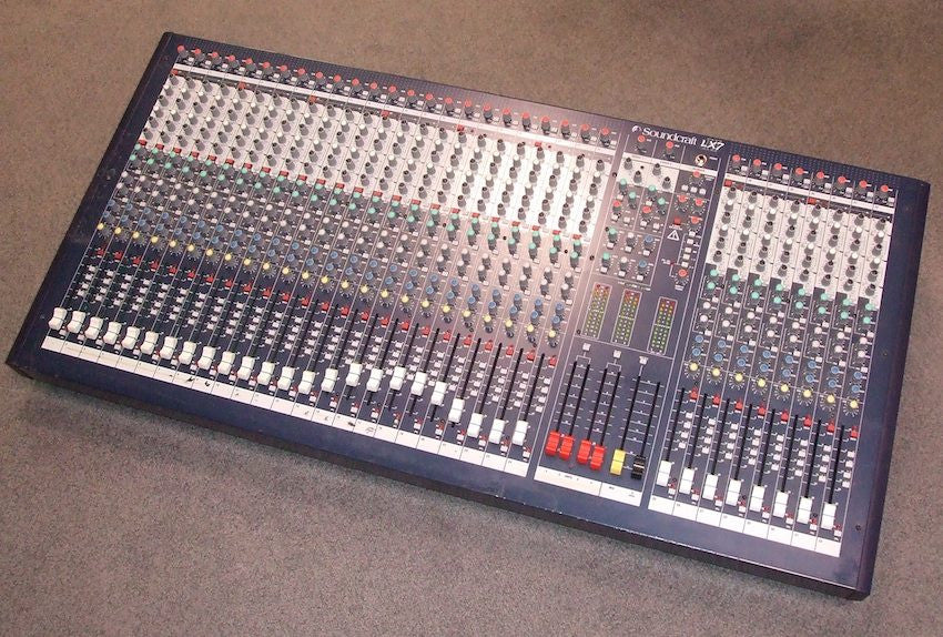SOUNDCRAFT LX7II 32 + Case - La Pietra Music Planet
