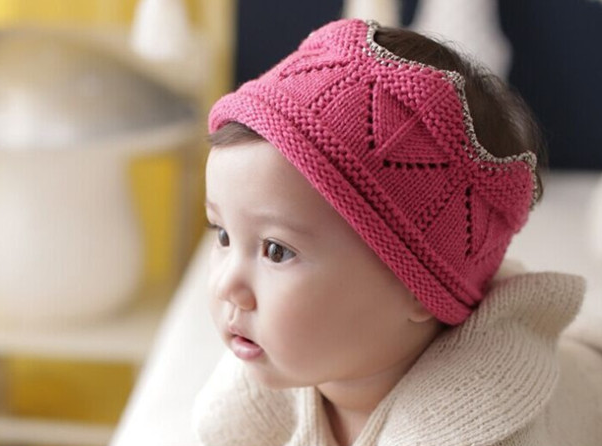 Knitted Crown - Fuchsia Pink - Oh Happy Fry - we ship worldwide