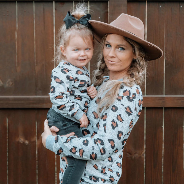 Autumn Leopard Long-sleeve Sweaters for Mom and Me