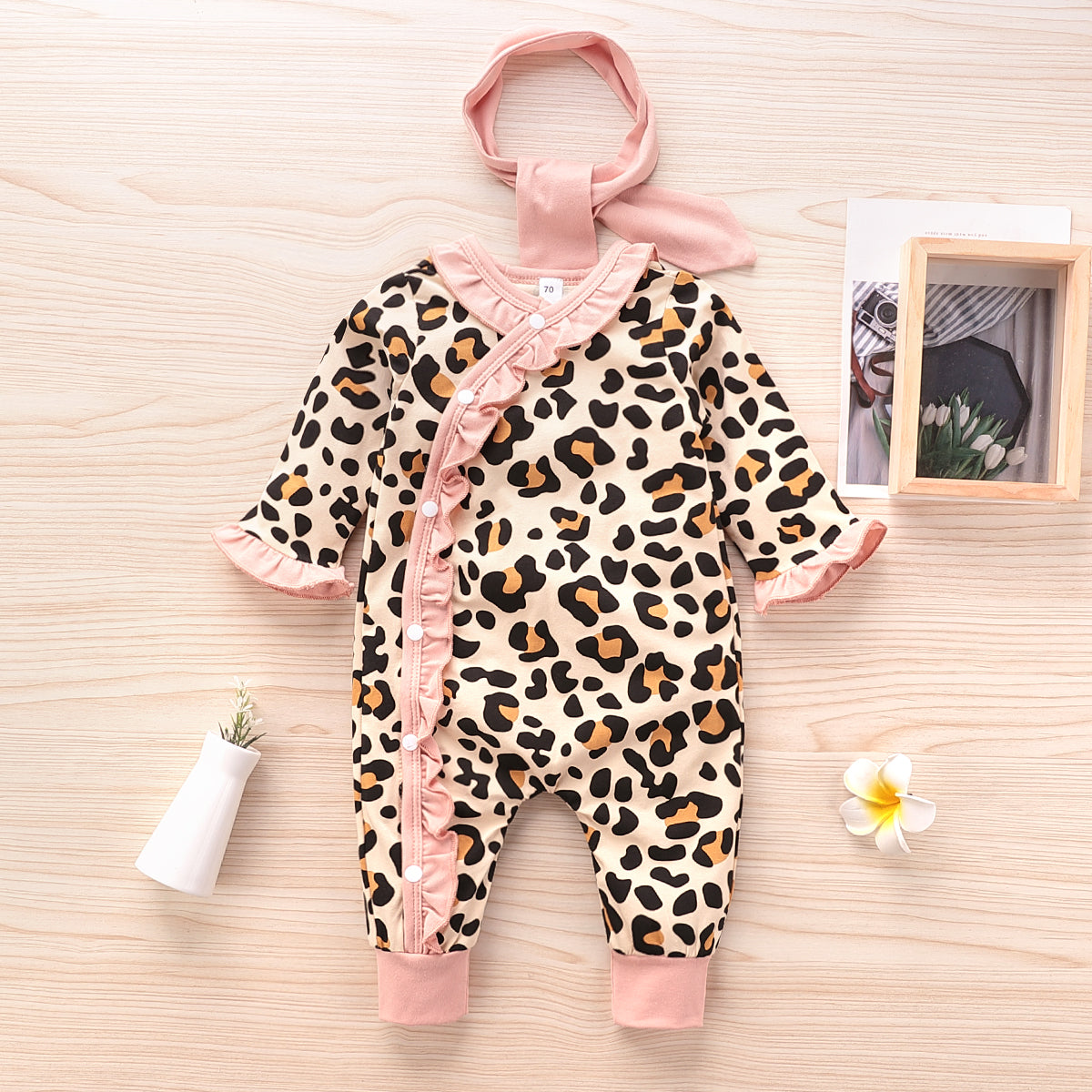 2-piece Baby Leopard Ruffled Jumpsuit with Headband Set